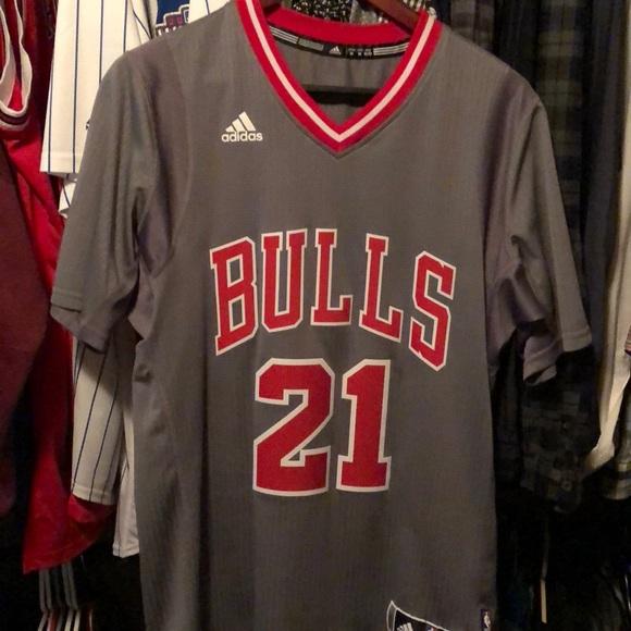 wholesale dealer bc3bf 2f24b Chicago Bulls Jimmy Butler Jersey